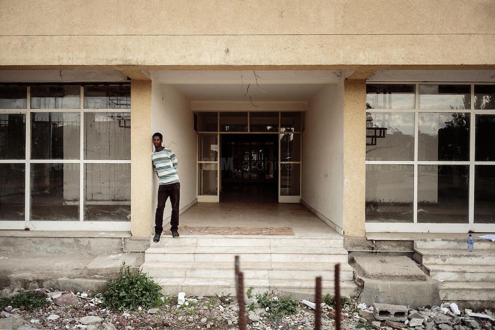 L'ingresso di un nuovo edificio residenziale, Addis Ababa 7 settembre 2014.  Christian Mantuano / OneShot <br /> <br /> The entry of a new residential building, Addis Ababa September 7, 2014.