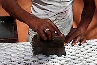 Inde, Rajasthan, Jaipur la ville rose, technique pour l impression des tissus. Bloc d'impression. // India, rajasthan, Jaipur the Pink City, technic for textile printing. Block printing.