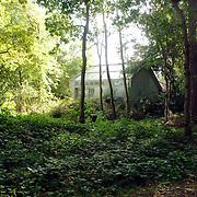 NLD/Texel/20061007 - Bedrijfsuitje RTL Nederland, huis Jan Wolkers Rozendijk 23 Texel