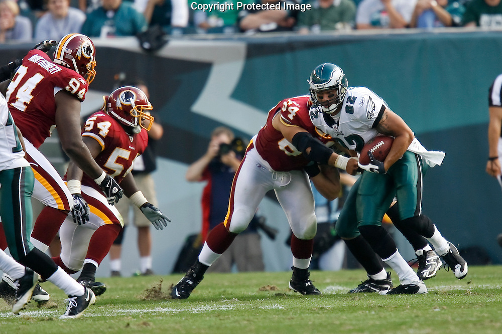5 Oct 2008: Philadelphia Eagles tight end L.J. Smith #82 runs with the ball during the game against the Washington Redskins on October 5th, 2008. The Redskins won 23-17 at Lincoln Financial Field in Philadelphia, Pennsylvania.