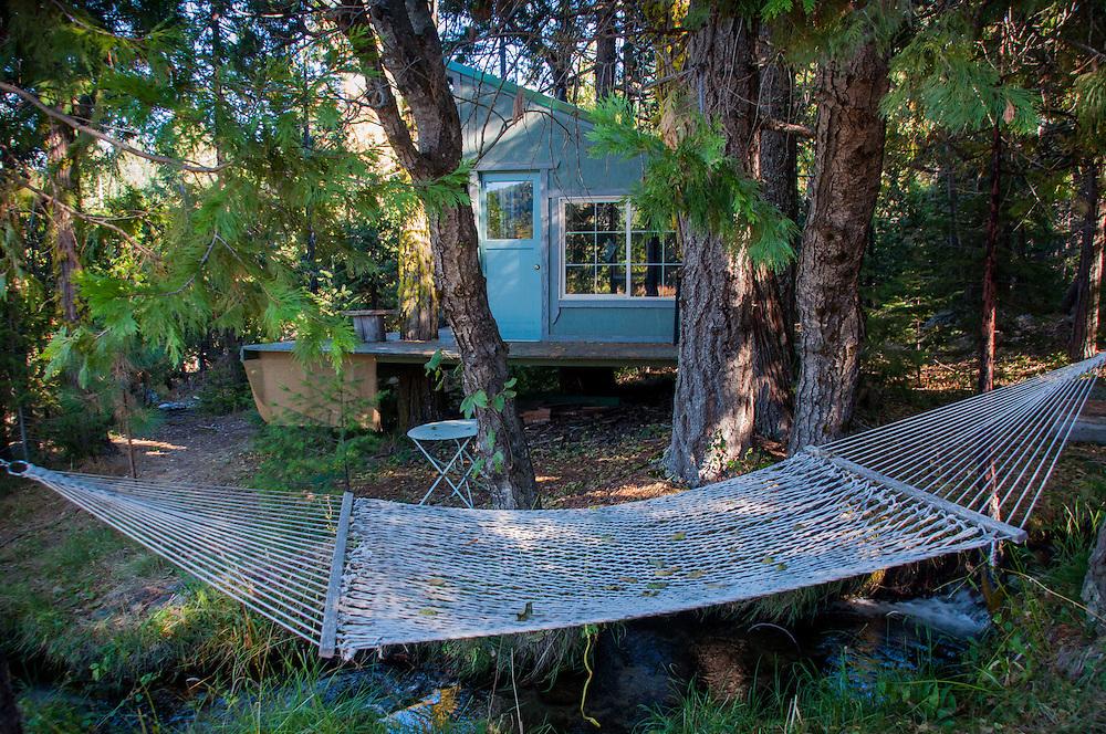Shasta View Treehouse & Hammock, Mt. Shasta, California, US