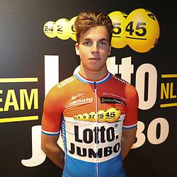 22-12-2016: Wielrennen: Presentatie Lotto Jumbo: Rijswijk  <br /> Dylan Groenewegen