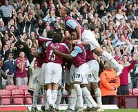 Fotball<br /> England 2005/2006<br /> Foto: Colorsport/Digitalsport<br /> NORWAY ONLY<br /> <br /> WEST HAM CELEBRATING GOAL - ANTON FERDINAND<br /> Barclays Premiership<br /> 23.10.2005<br /> West Ham v Middlesborough