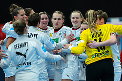 Germany celebrate with Annika Lott of Germany, Julia Behnke of Germany during the Women's EHF Euro 2020 match between /Germany and Poland at Sydbank Arena on december 07, 2020 in Kolding, Denmark (Photo by RHF Agency/Ronald Hoogendoorn)