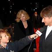 NLD/Hilversum/20061201 - Opening Nederlands Instituut voor Beeld en Geluid, Wim T. Schippers en partner Ellen Jens worden geinterviewd