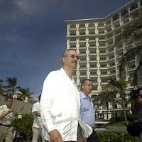 Cancun, Q. Roo.- Reunión de Funcionarios Fiscales en el Hotel JW Marriot de la Zona Hotelera de Cancún. El Evento fue presidido por el Secretario de Hacienda, Francisco Gil Díaz, y el gobernador del Estado, Félix González Canto. Entre otras autoridades tambien estaran conferencistas del Banco Mundial, quienes expondrán el nuevo proyecto de inversión y gasto público, con el que renovarán planes de trabajo. Agencia MVT / Luis Miguel Barrera. (DIGITAL)<br /> <br /> NO ARCHIVAR - NO ARCHIVE