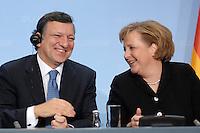 09 JAN 2007, BERLIN/GERMANY:<br /> Dr. Jose Manuel Barroso (L), Praesident der Europaeischen Kommission, und Angela Merkel (R), CDU, Bundeskanzlerin, waehrend einer Pressekonferenz, nach der gemeinsamen Kabinettsitzung des Bundeskabinetts und der Kommission der Europaeischen Kommission, Bundeskanzleramt<br /> IMAGE: 20070109-02-057<br /> KEYWORDS: Dr. José Manuel Barroso, freundlich, lacht, lachen