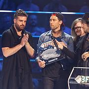 NLD/Utrecht/20150409 - Uitreiking 3FM Awards 2015, Kensington wint een award