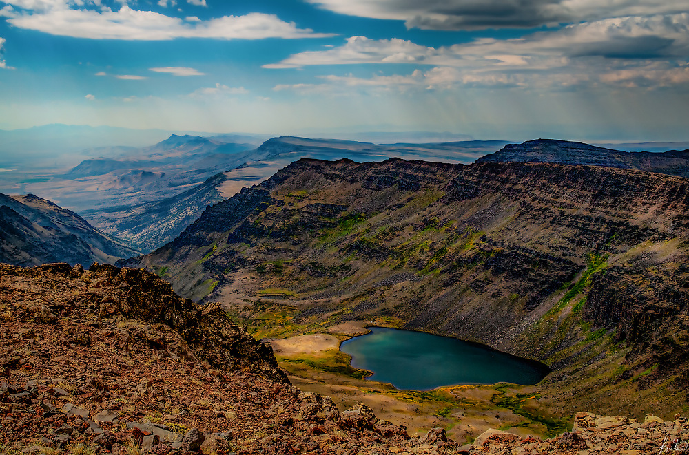 An image of Wild Horse Lake on Steen Mountain in Easten Oregon, near French Glen with God Beams