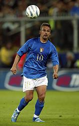 April 28, 2004 - ITALIEN - 040428 Fotboll:  Roberto Baggio, Italien..© BildbyrŒn - Cop 7. (Credit Image: © Bildbyran via ZUMA Press)