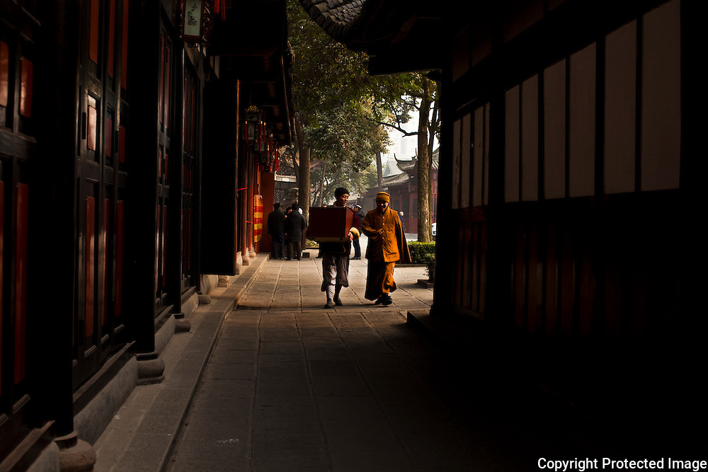 Monks at the Wen Shu Monastery in Chengdu, Sichuan, China
