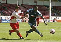 Photo: Steve Bond.<br />Walsall v Swansea City. Coca Cola League 1. 25/08/2007. Angel rangel attacks
