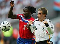 Fotball<br /> VM 2006<br /> 09.06.2006<br /> Tyskland v Costa Rica<br /> Foto: Witters/Digitalsport<br /> NORWAY ONLY<br /> <br /> v.l. Jervis Drummond, Philipp Lahm Deutschland<br /> Fussball WM 2006 Deutschland - Costa Rica 4:2