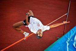 Almir Cunha dos Santos, jovem promessa do esporte brasileiro no salto em altura para as próximas olimpíadas. FOTO: Jefferson Bernardes/Preview.com