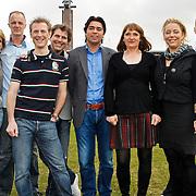 NLD/Amsterdam/20100322 -  Perspresentatie AVRO programma Eeuwige Roem, Annemarie Thomas, Pedro van Raamsdonk, Jochem Uytenhaage, Twan van Peperstraten, Sonny Silooy, Monique Knol, Margje Teeuwen, Erik Dekker