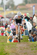 Super Prestige round one at Ruddervoorde, Belgium saw Sven Nys come back to form to take the win from Neils Albert.