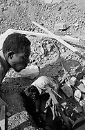 NIGER. Daibery. 07/12/1985: Works on the construction of an irrigated perimeter along the Niger. Financed by the FED (European Fund for Development).