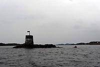 passing cairn - passerer en båke (sjømerke), Sørlandet