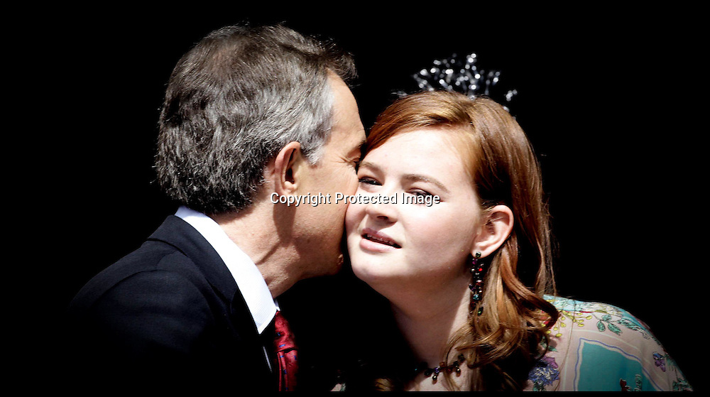 Tony Blair kisses hid daughter leave Downing st  as he stands down as PM.PRESS ASSOCIATION Photo. Picture date:Wednesday 27th June  , 2007. Photo credit should read: Andrew Parsons/PA.