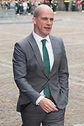 Prinsjesdag - Aankomst politici bij de Ridderzaal. Zoals ieder jaar ging Prinsjesdag ook dit keer weer gepaard met hoedjes in allerlei soorten en maten.<br /> <br /> Op de foto / On the photo: <br />  Diederik Samsom