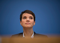 DEU, Deutschland, Germany, Berlin, 25.09.2017: Die AfD-Vorsitzende Dr. Frauke Petry, Alternative für Deutschland (AfD), in der Bundespressekonferenz zu den Ergebnissen der Bundestagswahlen.