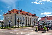 Urząd Miejski na Placu Tadeusza Kościuszki w Sokółce, Polska<br /> Municipal office on Tadeusz Kościuszko square in Sokółka, Poland