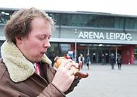 LEIPZIG (Duitsland) - Duitse braadworst bij het WK WK zaalhockey. FOTO KOEN SUYK