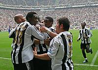 Photo: Andrew Unwin.<br /> Newcastle United v Chelsea. The Barclays Premiership. 07/05/2006.<br /> Newcastle celebrate Titus Bramble's goal.