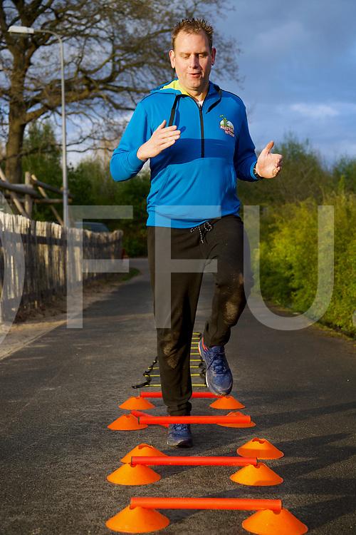 BALKBRUG - Conditie.<br /> Foto: Robert van Marle traint voor zichzelf en de halve marathon voor KIKA.<br /> FFU PRESS AGENCY COPYRIGHT FRANK UIJLENBROEK