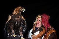 Mongolie, province de Bayan-Olgii, Elik Hamchvai, chasseur à l'aigle Kazakh, en tenue de chasseur // Mongolia, Bayan-Olgii province, Elik Hamchvai, Kazakh eagle hunter, in hunter's dress