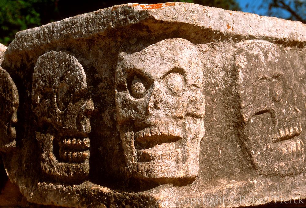 MEXICO, MAYAN, YUCATAN Chichén Itzá; Temple of Skulls