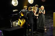 NFF - Nederlands Filmfestival - uitreiking van de Gouden Kalveren in Tivolli Utrecht.<br /> <br /> op de foto:   Iris Otten, Sander van Meurs, Pieter Kuijpers van productiebedrijf Pupkin Film met de Gouden Kalf voor de Beste Film voor de film Aanmodderfakker