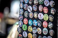 Jämtland, SVERIGE - 18 MAJ 2019: Försäljning av knappar på Springmeet. (Foto: Per Danielsson/Projekt.P ) <br /> <br /> Nyckelord Keywords: Springmeet 2019, Ope Flygfält,