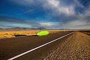 De Glow Worm tijdens de tweede westrijddag van de WHPSC. In Battle Mountain (Nevada) wordt ieder jaar de World Human Powered Speed Challenge gehouden. Tijdens deze wedstrijd wordt geprobeerd zo hard mogelijk te fietsen op pure menskracht. Ze halen snelheden tot 133 km/h. De deelnemers bestaan zowel uit teams van universiteiten als uit hobbyisten. Met de gestroomlijnde fietsen willen ze laten zien wat mogelijk is met menskracht. De speciale ligfietsen kunnen gezien worden als de Formule 1 van het fietsen. De kennis die wordt opgedaan wordt ook gebruikt om duurzaam vervoer verder te ontwikkelen.<br /> <br /> The Glow Worm at the second day at the WHPSC. In Battle Mountain (Nevada) each year the World Human Powered Speed Challenge is held. During this race they try to ride on pure manpower as hard as possible. Speeds up to 133 km/h are reached. The participants consist of both teams from universities and from hobbyists. With the sleek bikes they want to show what is possible with human power. The special recumbent bicycles can be seen as the Formula 1 of the bicycle. The knowledge gained is also used to develop sustainable transport.
