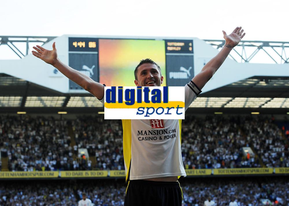 Fotball<br /> England<br /> Foto: Fotosports/Digitalsport<br /> NORWAY ONLY<br /> <br /> Robbie Keane Celebrates Scoring his 3rd Goal (Spurs 5th Goal)<br /> Tottenham Hotspur 2009/10<br /> Tottenham Hotspur V Burnley (5-0) 26/09/09<br /> The Premier League