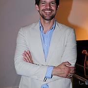NLD/Amsterdam/20110926 -Onthulling foto's van Nederlandse acteurs in het DelaMar theater, Rene van Kooten
