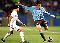 Fotball<br /> Italia v USA<br /> 15.06.2009<br /> Confederations Cup 2009<br /> Foto: Gepa/Digitalsport<br /> NORWAY ONLY<br /> <br /> Bild zeigt Landon Donovan (USA) und Fabio Grosso (ITA)