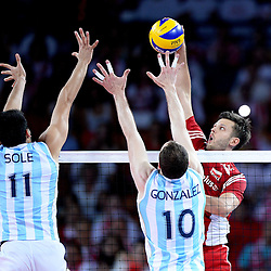 07.09.2014, Centennial Hall, Breslau, POL, FIVB WM, Polen vs Argentinien, Gruppe A, im Bild SEBASTIAN SOLE (L), JOSE LUIS GONZALEZ (C), MICHAL WINIARSKI (P) // during the FIVB Volleyball Men's World Championships Pool A Match beween Poland and Argentina at the Centennial Hall in Breslau, Poland on 2014/09/07. <br /> <br /> ***NETHERLANDS ONLY***