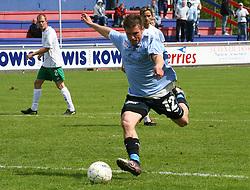 FODBOLD: Patrik Norell (Helsingør) under kampen i Kvalifikationsrækken, pulje 1, mellem Elite 3000 Helsingør og Virum-Sorgenfri Boldklub den 25. maj 2006 på Helsingør Stadion. Foto: Claus Birch
