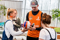 28-03-2018 NED: Kickstart Food van Rabobank, Utrecht<br /> A clever mix of the tastiest seasonal vegetables for the sports public, coming from Dutch local companies. That is the core of the new food program that enables Rabobank and the Nevobo at the Moestuin in Utrecht / Robert Meeuwsen