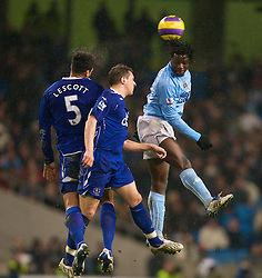 MANCHESTER, ENGLAND - Monday, February 25, 2008: Everton's Jolean Lescott and Philip Jagielka challenge Manchester City's Mwaruwari Benjani during the Premiership match at the City of Manchester Stadium. (Photo by David Rawcliffe/Propaganda)
