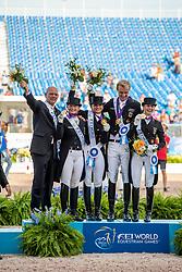 RÖSER Klaus (Chef d´Equipe), WERTH Isabell (GER), SCHNEIDER Dorothee (GER), ROTHENBERGER Sönke (GER), WERTH Isabell (GER)<br /> Tryon - FEI World Equestrian Games™ 2018<br /> Siegerehrung<br /> Grand Prix de Dressage Teamwertung und Einzelqualifikation<br /> 13. September 2018<br /> © www.sportfotos-lafrentz.de/Stefan Lafrentz