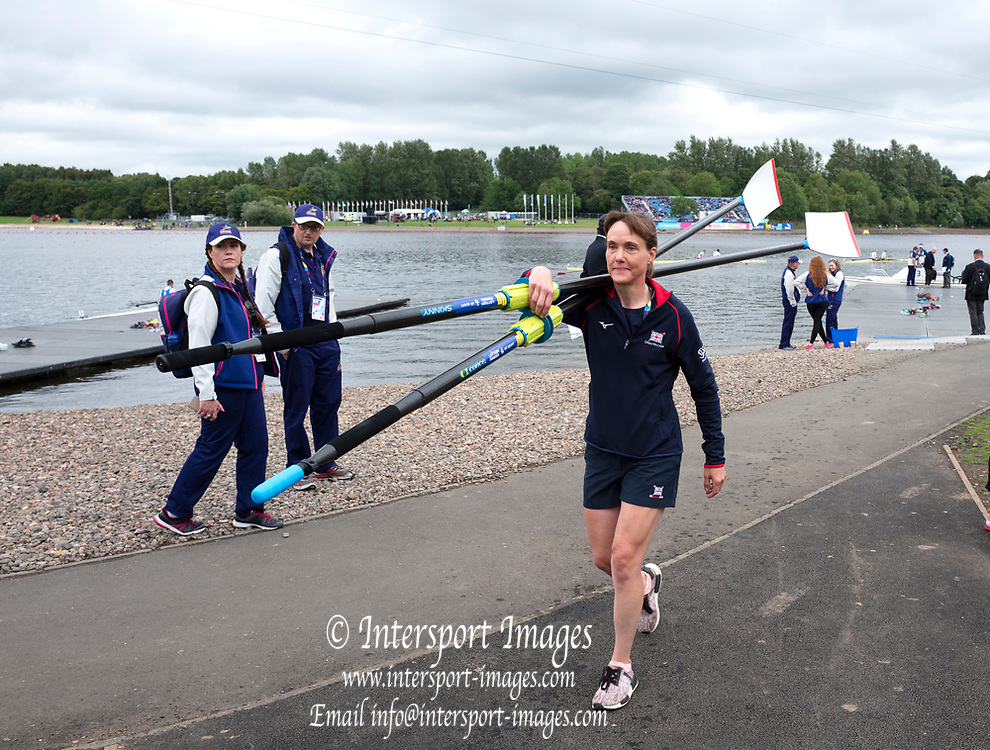 Glasgow, Scotland, Saturday, 4th  August 2018, GBR Women's Coach, Jane HALL, carries the Women's Pair Blades/ Oars from the Boating Pontoo, at the European Games, Rowing, Strathclyde Park, North Lanarkshire, © Peter SPURRIER/Alamy Live News