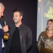 NLD/Amsterdam/20161008 - JFK Greatest Man 2016, Peter R. de Vries en winnaar Sergio Herman
