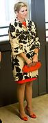 Koningin Maxima geeft startschot inzameling instrumenten op basisschool 't Palet in de Haagse Schilderswijk.De campagne is een initiatief van het programma Radio 4 Klassiek Geeft en het landelijk Instrumentendepot Leerorkest.<br /> <br /> Queen Maxima launches collection tools in primary school 't Palet in the Hague Schilderswijk.De campaign Provides an initiative of the Radio 4 program and the rural Classic Instrument Depot Leerorkest.<br /> <br /> op de foto / On the photo:  Aankomst Koningin Maxima / Arrival Queen Maxima