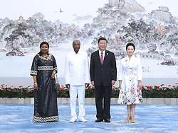 (170904) -- XIAMEN, Sept. 4, 2017 (Xinhua) -- Chinese President Xi Jinping and his wife Peng Liyuan welcome Guinean President Alpha Conde and his wife before a banquet for those attending the ninth BRICS summit and the Dialogue of Emerging Market and Developing Countries in Xiamen, southeast China's Fujian Province, Sept. 4, 2017.  (Xinhua/Ma Zhancheng)  (zhs) (Photo by Xinhua/Sipa USA)
