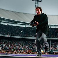 Nederland.Rotterdam.10 juni 2004..Marco Borsato in concert in Feyenoord Stadion.