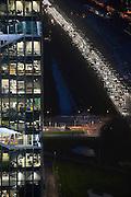 Nederland, Amsterdam, 28-1-2013Serie beelden van de zuidas en rondweg a10 vanuit een hoge lokatie, het anb-amro gebouw.Het vinoly gebouw, vinolygebouw, vinoly-gebouw met verschillende huurders waaronder de nederlandse vestiging cvan google en zicht op de drukke a10 rondweg.Foto: Flip Franssen/Hollandse Hoogte