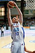 DESCRIZIONE : Cantu Lega A 2013-14 Acqua Vitasnella Cantu Grissin Bon Reggio Emilia<br /> GIOCATORE : Maarten Leunen<br /> CATEGORIA : Tiro<br /> SQUADRA : Acqua Vitasnella Cantu<br /> EVENTO : Campionato Lega A 2013-2014<br /> GARA : Acqua Vitasnella Cantu Grissin Bon Reggio Emilia<br /> DATA : 04/01/2014<br /> SPORT : Pallacanestro <br /> AUTORE : Agenzia Ciamillo-Castoria/G.Cottini<br /> Galleria : Lega Basket A 2013-2014  <br /> Fotonotizia : Cantu Lega A 2013-14 Acqua Vitasnella Cantu Grissin Bon Reggio Emilia<br /> Predefinita :