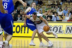 Jasmin Hukic of Olimpija and Vjekoslav Petrovic of Helios at third finals basketball match of Slovenian Men UPC League between KK Union Olimpija and KK Helios Domzale, on June 2, 2009, in Arena Tivoli, Ljubljana, Slovenia. (Photo by Vid Ponikvar / Sportida)